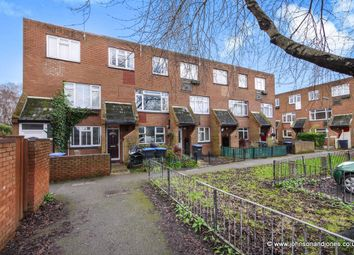 Thumbnail 3 bedroom town house to rent in Heriot Road, Chertsey