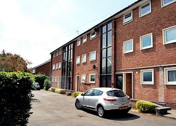 Thumbnail 2 bed flat to rent in Ray Park Avenue, Maidenhead