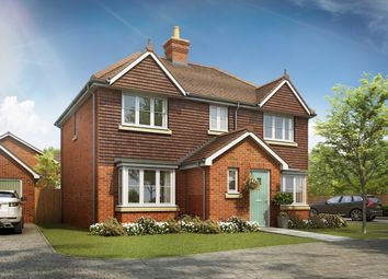 Petworth Road, Wisborough Green, West Sussex RH14. 3 bed detached house