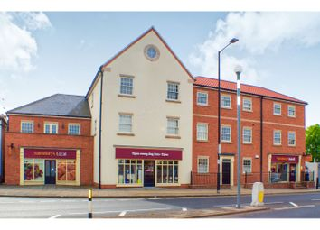 Thumbnail 2 bed flat for sale in High Street, Bawtry