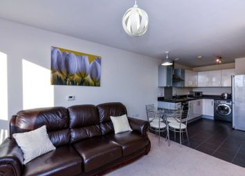 Thumbnail 1 bedroom flat to rent in Grosvenor Waterside, Pimlico