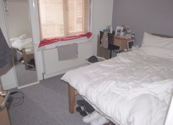 Thumbnail 5 bed terraced house to rent in Clarendon Road, Reading