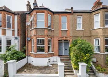 3 bed maisonette to rent in Casewick Road, London SE27