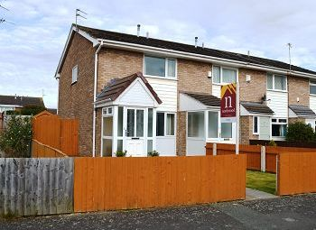 Thumbnail 2 bed town house to rent in Brunsfield Close, Moreton, Wirral