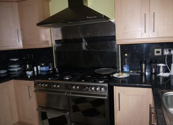Thumbnail 3 bedroom shared accommodation to rent in Dewsbury Road, Leeds