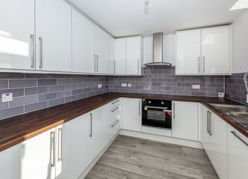 Thumbnail 2 bed flat to rent in Victoria Street, Windsor