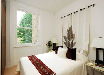 Thumbnail 1 bed flat to rent in Redcliffe Road, Chelsea