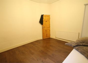Thumbnail 2 bed flat to rent in Chatham Road, London