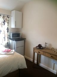 Thumbnail 2 bed shared accommodation to rent in Wakefield Avenue, Tutbury