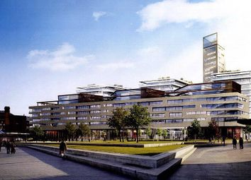 Thumbnail 1 bed flat for sale in The Queens Walk, London