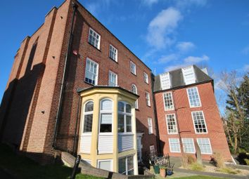 Thumbnail 1 bed flat to rent in High Street, Fareham