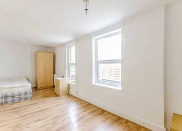 Thumbnail 6 bed terraced house to rent in Kingsbury Road, Islington