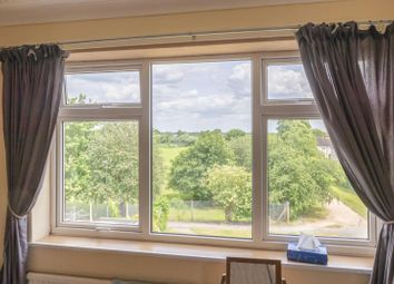 Thumbnail 2 bedroom flat to rent in Elizabeth Road, Stamford, Lincolnshire