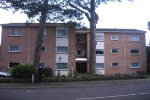 Thumbnail 3 bed flat to rent in Madeira Road, Bournemouth