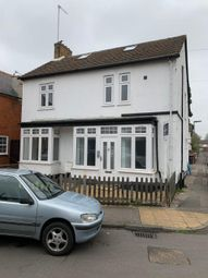 1 bed flat to rent in Liberty Hall Road, Addlestone KT15