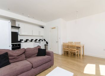 Thumbnail 3 bed flat to rent in Salisbury Pavement, Fulham