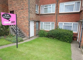 Thumbnail 2 bed flat to rent in Elms Road, Wokingham, Berkshire