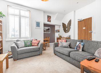 Friern Road, London SE22. 1 bed flat for sale