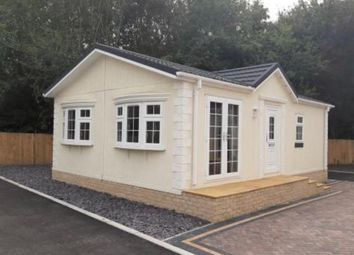 Thumbnail 2 bed mobile/park home for sale in Oak Street, Fakenham