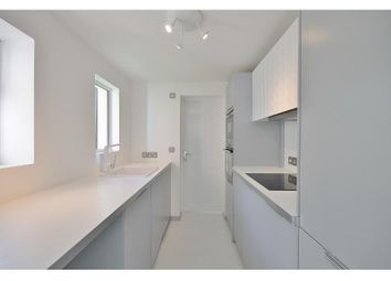 Thumbnail 1 bed flat to rent in Regent Street, Oxford