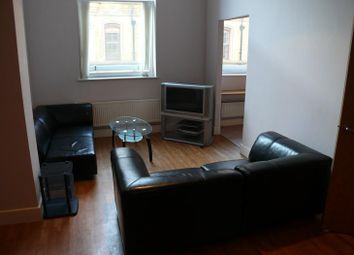 Thumbnail 2 bed flat to rent in East Parade, Bradford