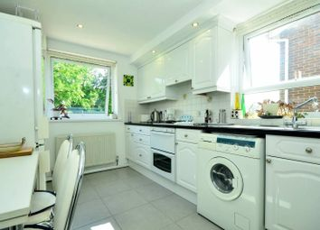 Thumbnail 1 bed flat to rent in Lyonsdown Road, New Barnet