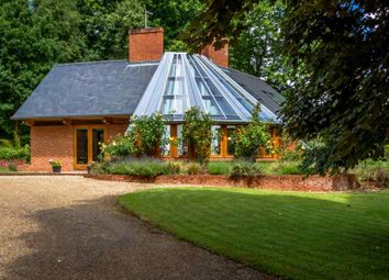 Thumbnail 3 bed detached house to rent in Moor Park Way, Farnham