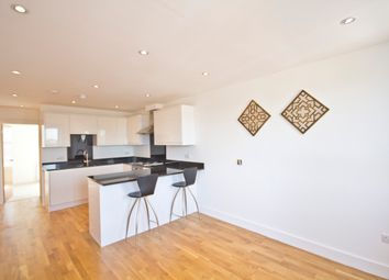 Thumbnail 1 bed flat to rent in Lavender Hill, Clapham, London