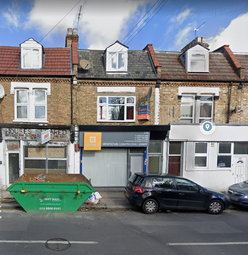 Thumbnail 3 bed duplex to rent in Whittington Road, London