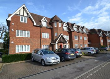 Thumbnail 3 bed flat for sale in Oakfield Close, Amersham