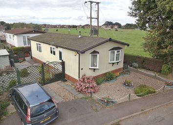 2 bed mobile/park home for sale in Brickhill Farm Park Homes, Half Moon Lane, Pepperstock, Luton LU1