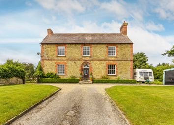 Thumbnail 4 bed farmhouse for sale in Eastbourne Road, Blindley Heath, Lingfield