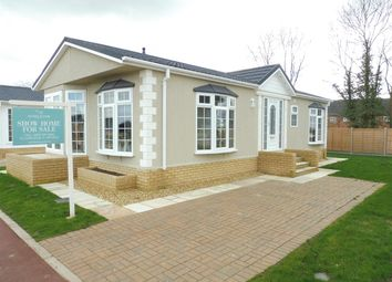 Thumbnail 2 bedroom mobile/park home for sale in Mandalay Park, Whittlesey, Peterborough
