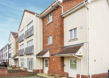3 bed flat for sale in Meadow Rise, Billericay CM11