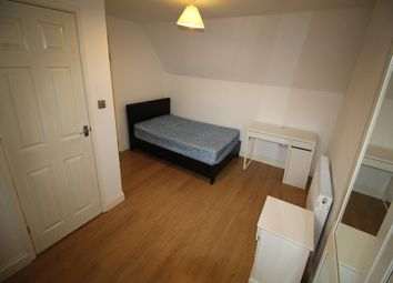Thumbnail 5 bed flat to rent in Warwick Road, Kenilworth