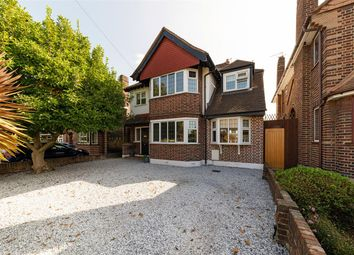 Southwood Gardens, Hinchley Wood, Hinchley Wood KT10. 4 bed detached house