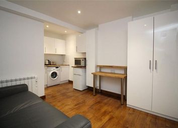 Thumbnail Studio to rent in Heddon Road, Cockfosters, London