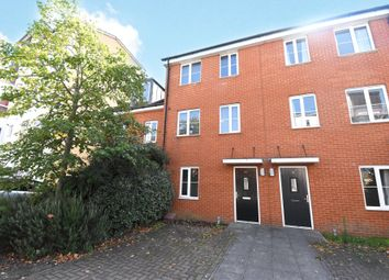 Thumbnail 3 bed town house to rent in Gweal Avenue, Reading, Berkshire