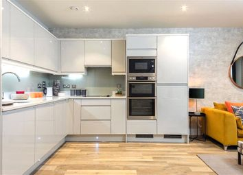 Thumbnail 1 bedroom flat for sale in Oakleigh Grove, Sweets Way, Whetstone, London