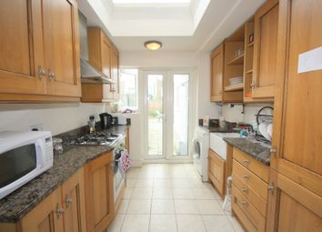Thumbnail 3 bedroom flat to rent in Davenant Road, London