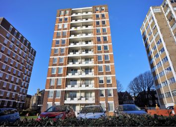 Grand Avenue, Hove BN3. 3 bed flat for sale