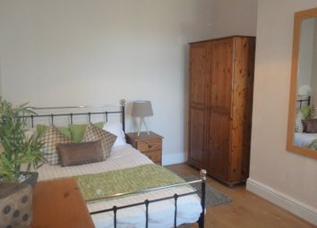 Thumbnail Room to rent in Murray Road, Warks