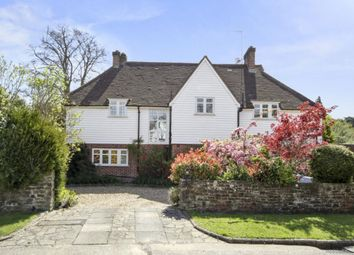 Thumbnail 6 bed detached house to rent in Southfield Place, Weybridge