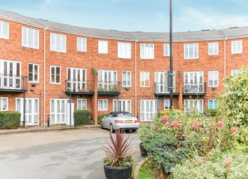 Thumbnail 3 bedroom flat for sale in Sovereigns Quay, Bedford