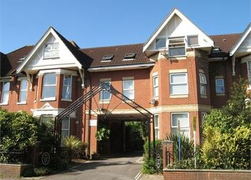 Thumbnail 1 bed flat to rent in Hill Lane, Southampton