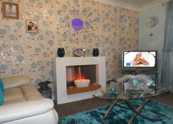 2 bed flat to rent in Kemnay Gardens, Dundee DD4
