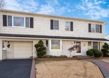 Thumbnail 6 bed property for sale in Massapequa Park, Long Island, 11762, United States Of America