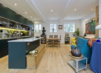 Thumbnail 3 bed property to rent in St Lukes Mews, London