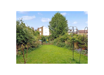 Thumbnail 2 bed flat to rent in Hollingbourne Road, Herne Hill, London