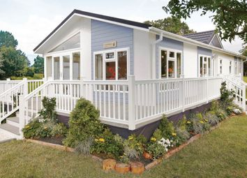 Blandford Road North, Beacon Hill, Poole BH16. 2 bed detached bungalow